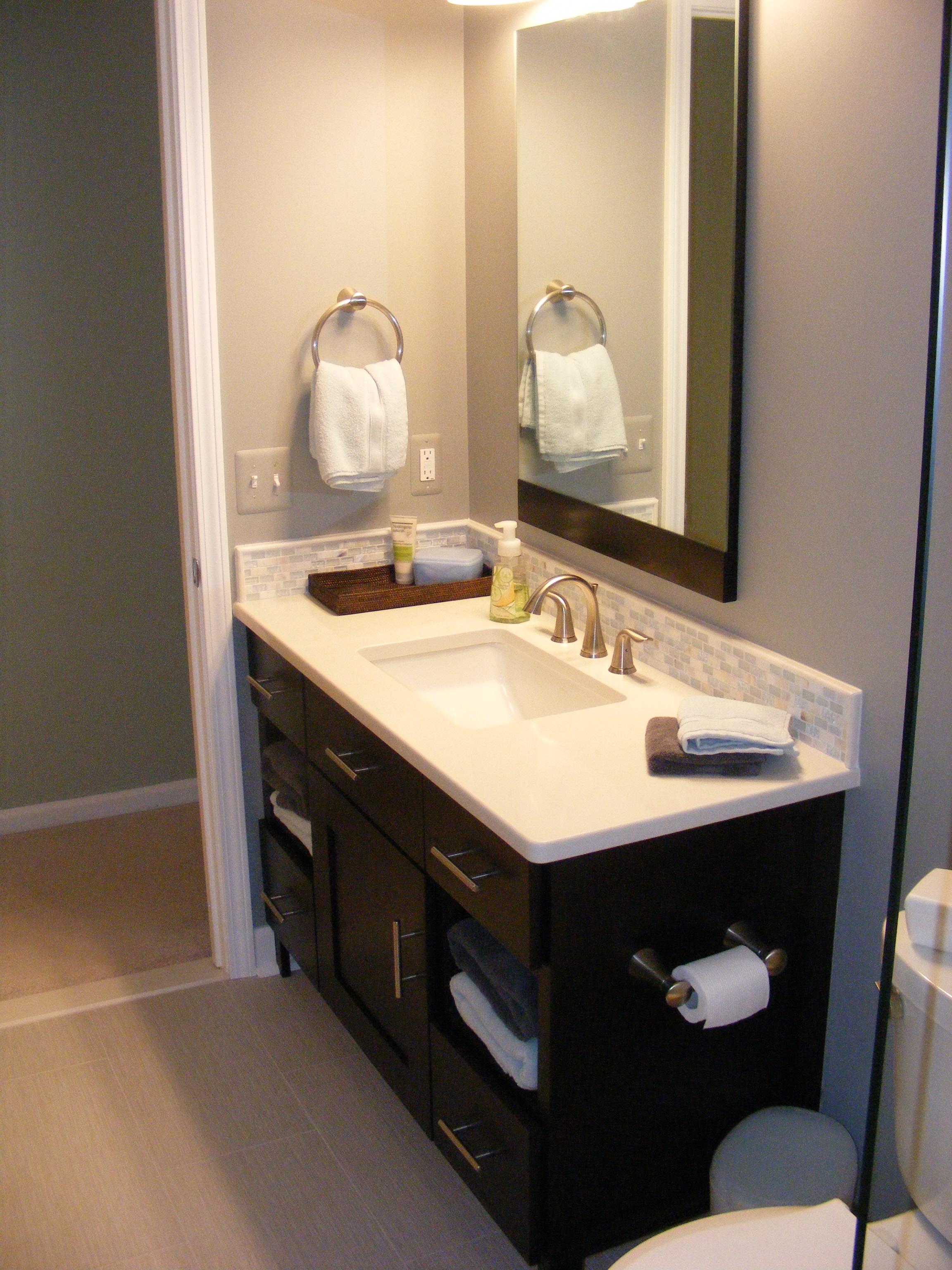Bathroom custom cabinet Saline
